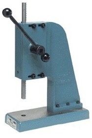 Arbor press for bearing pressings